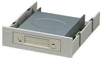 Встраиваемое считывающее устройство для PC-карт от Logitec