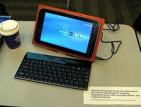 Вот так выглядит один из прототипов развлекательного мобильного ПК On-The-Go на базе платформы Napa