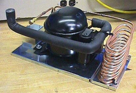 Компрессор и конденсатор.