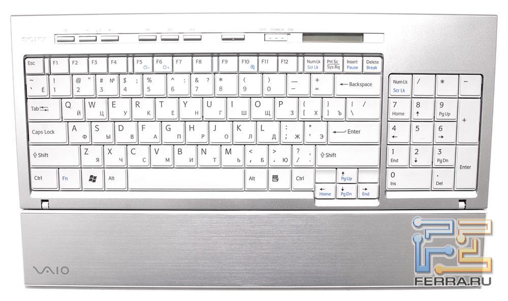 Раскладка практически идентична любой стандартной клавиатуре от настольного компьютера за некоторым исключением.
