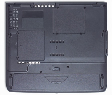 Acer TravelMate 2001LC_down.jpg
