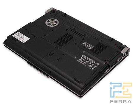 ASUS Lamborghini VX2: днище ноутбука