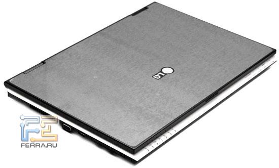 LG P1 Pro: внешний вид в закрытом состоянии