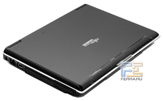 Fujitsu-Siemens AMILO Pro V3205: внешний вид в закрытом состоянии