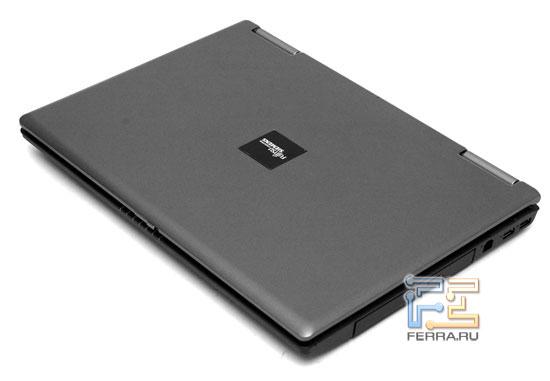 Fujitsu Siemens ESPRIMO D9500: внешний вид в закрытом состоянии