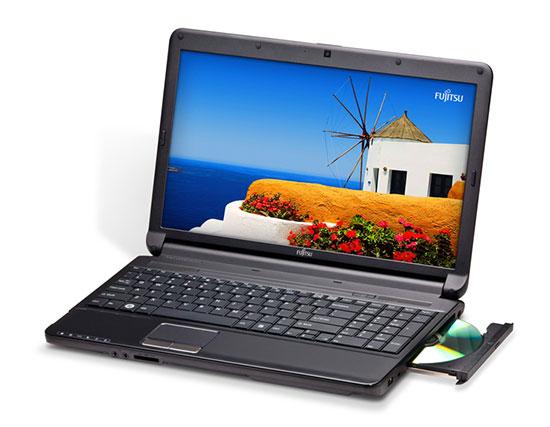 Так выглядит ноутбук Fujitsu LIFEBOOK AH530 на базе Intel Celeron P4500
