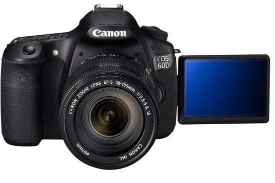 Угол раскрытия дисплея Canon EOS 60D впечатляет. Настолько жестких ограничений, как в зеркалках Sony, тут нет.