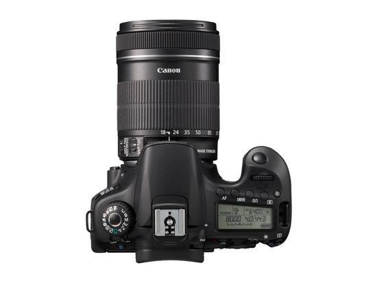 Canon EOS 60D с объективом 18-135/3.5-5.6