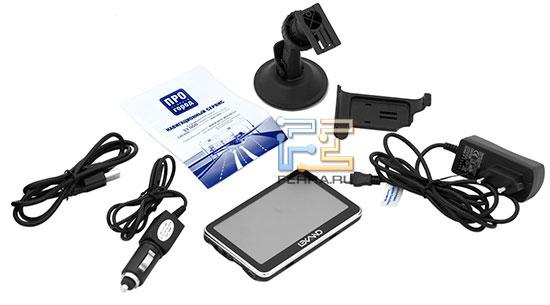 Комплектация LEXAND ST-560: зарядные устройства, автомобильный кронштейн, USB-кабель