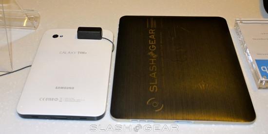 Galaxy Tab � iPad