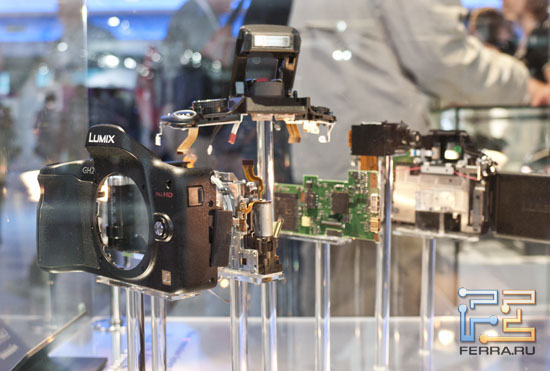 Panasonic Lumix GH2 в разрезе