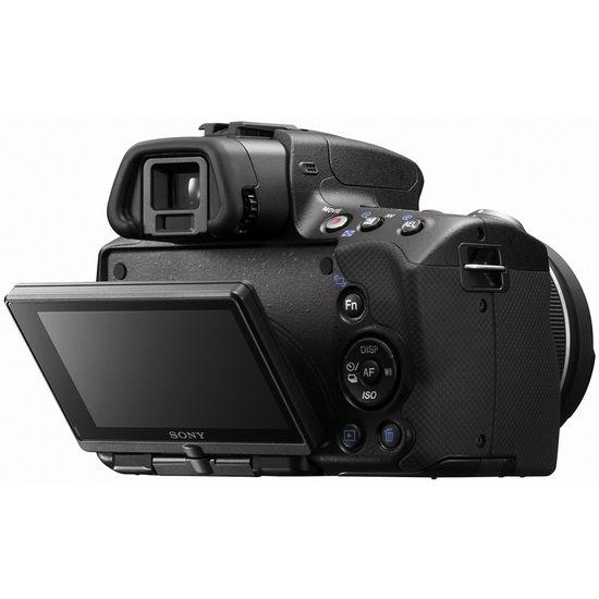Sony Alpha A55 сзади: агрегат поворотного экрана изменен, он в настоящее время не только наклонный, но и поворотный