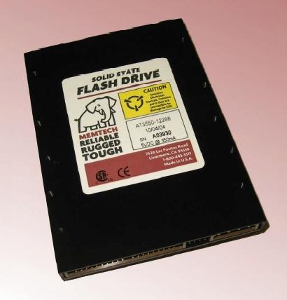 Один из первых доступных SSD с интерфейсом IDE - поначалу всё для военных