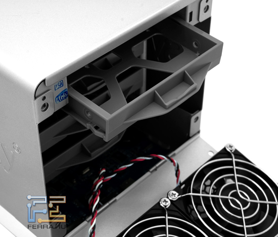 Жесткий диск готов к установке в Synology DS410j