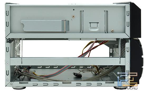 Вид на открытый корпус AeroCool QX-2000 слева