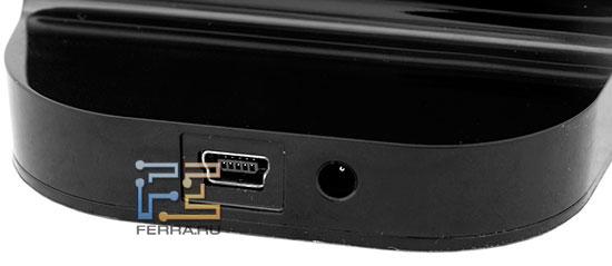 Отдельный БП для Hitachi LifeStudio Plus в комплекте не идет, хотя на подставке есть соответствующий разъем - можно купить БП отдельно