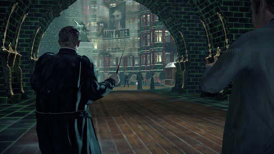 Гарри Поттер в Harry Potter and the Deathly Hallows: Part 1 – самый разыскиваемый человек в мире