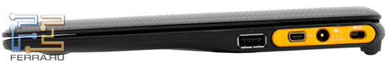 Toshiba AC100: вид справа