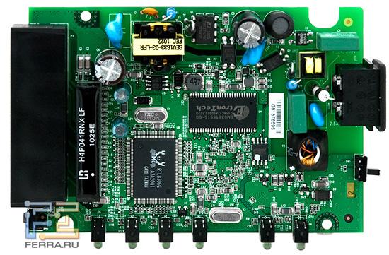 При взгляде на плату принадлежность к HomePlug адаптерам выдает обилие электрических компонентов
