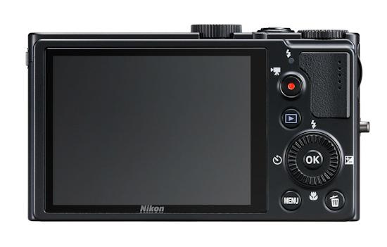 Компактная камера с Nikon Coolpix P300: вид сзади