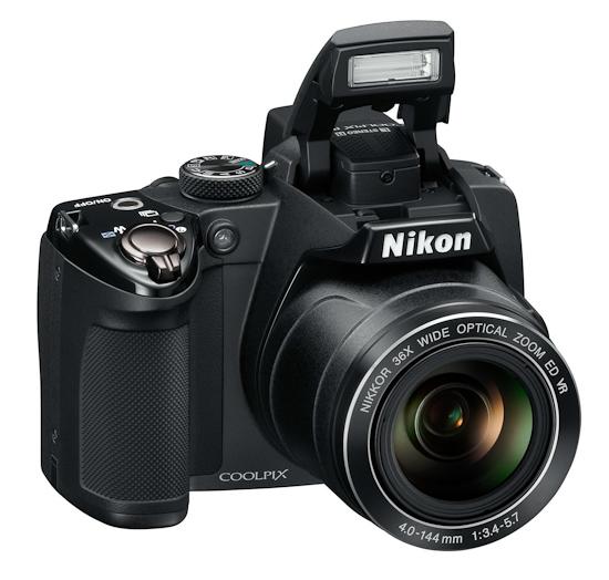 Nikon Coolpix P500: вид спереди
