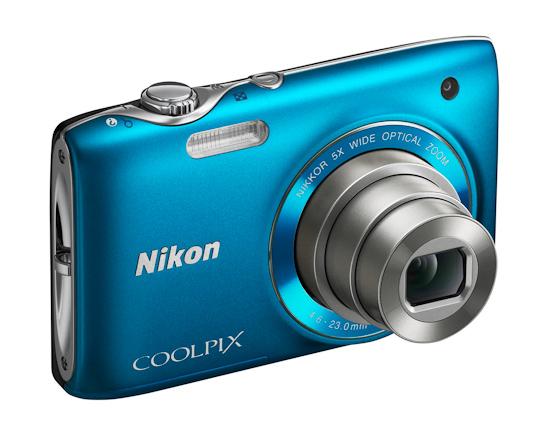 Nikon Coolpix S3100: вид спереди