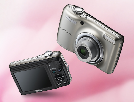 Компактная камера Nikon L23