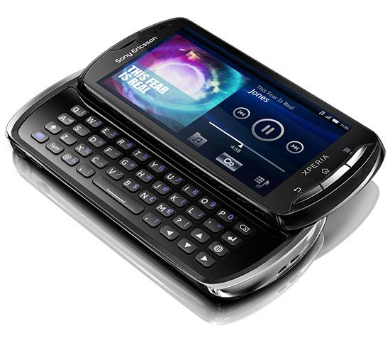 Черная версия Sony Ericsson Xperia Pro в разложенном виде
