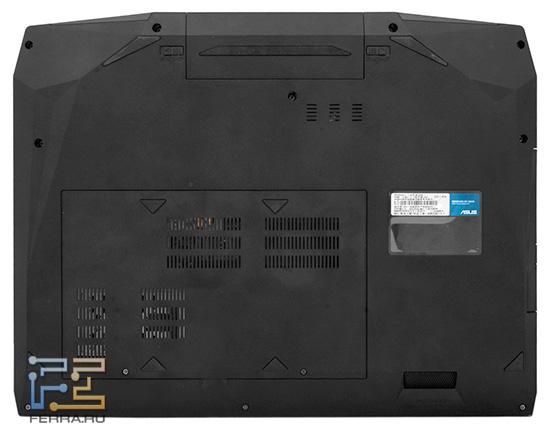 Для доступа к жестким дискам и оперативной памяти нужно открутить два винта