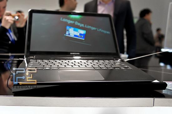 Максимальная толщина ноутбуков Samsung 9 серии составляет всего 16 мм