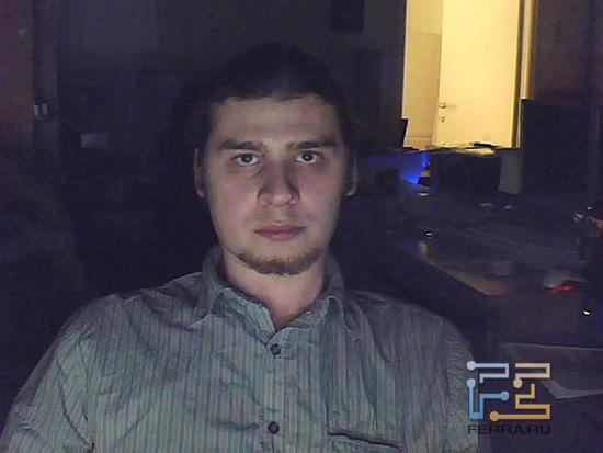 Съёмка на Sven CU-2.1 в темноте, лампы подсветки выключены
