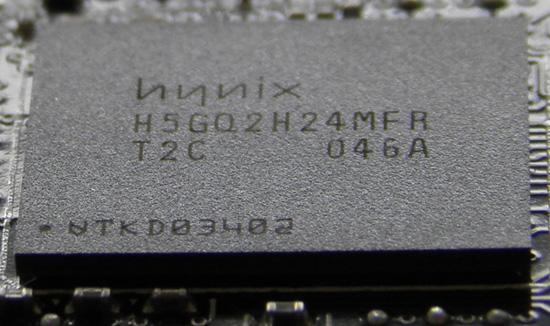 Такие же модули памяти используются в других видеокартах 6900-й серии, но тактовая частота там выше