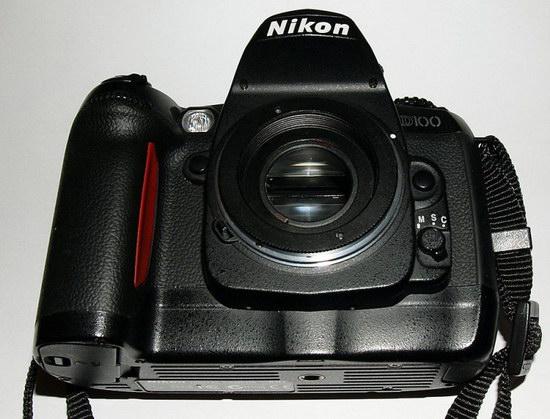 Установленный адаптер M42-Nikon А на зеркальной камере Nikon
