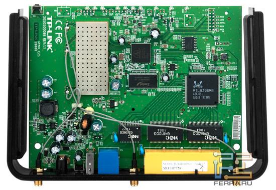 Разные аппаратные ревизии устройства могут отличаться микросхемами памяти, а также иметь на системной плате коннектор для последовательного интерфейса, а не просто площадку с контактами