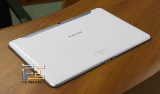 Планшет Samsung Galaxy Tab 10.1 — вид сзади