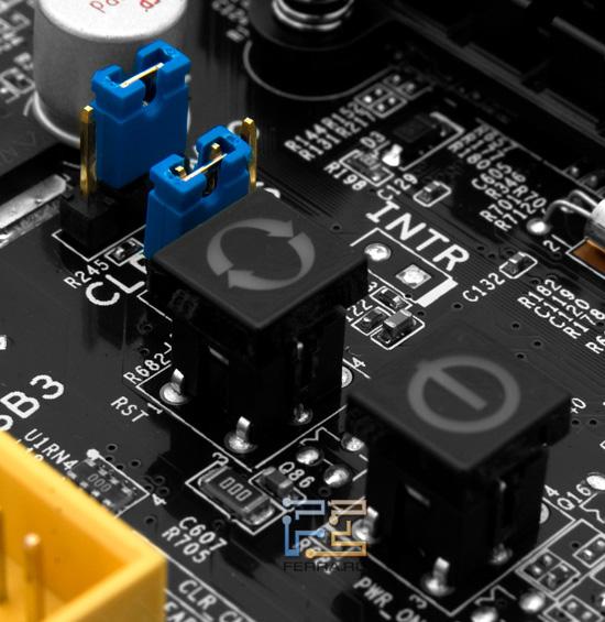 Кнопки Power и Reset системной платы Foxconn P67A-S