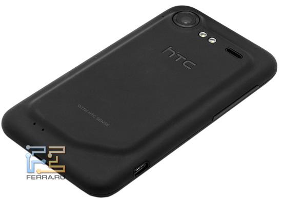 Объектив встроенной камеры и вспышка HTC Incredible S