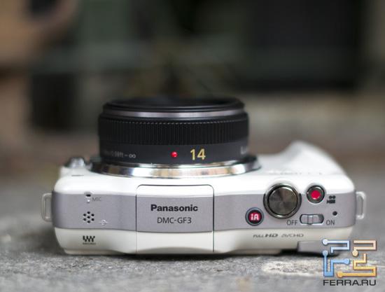 Вспышка, микрофон и другие элементы на верхнем торце Panasonic Lumix GF3
