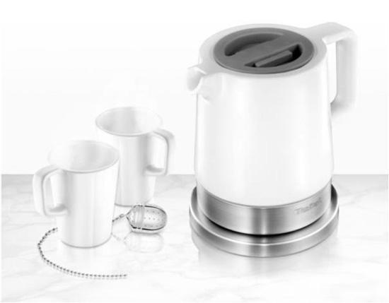 Керамический чайник Tefal KO 7001 стоит около 3000 рублей и мало шумит по сравнению с металлическими и пластиковыми моделями