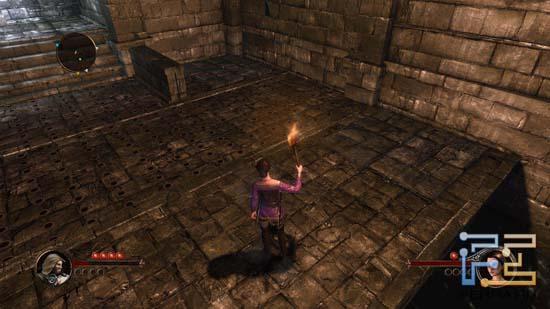 Пока наш компаньон в The First Templar удерживает рычаг, ответственный за открытие двери, ищем способ, как решить головоломку