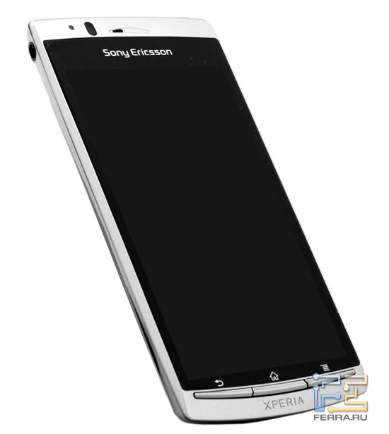 Sony Ericsson Xperia Arc в полный рост