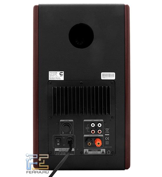 Вид задней панели Microlab SOLO-6C с основными разъемами