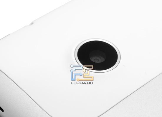 Объектив основной камеры HTC Flyer