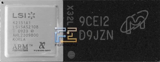 Слева CPU, справа модуль оперативной памяти
