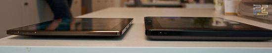 Сравниваем толщину Acer Iconia Tab W500 и Asus Transformer (клавиатуры отстегнуты)