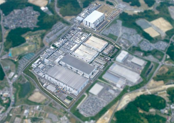 Совместное предприятие SanDisk и Toshiba борется за лидерство в производстве чипов флэш-памяти с компанией Samsung