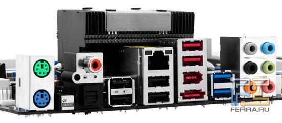 Задняя панель на материнской плате ASRock 890FX Deluxe5