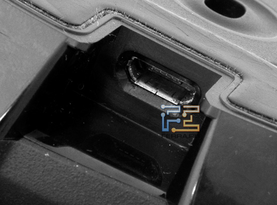 Собственно, разъем micro-USB в Logitech Gaming Mouse G700