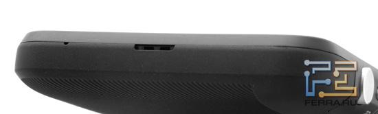 Нижний торец корпуса HTC Evo 3D