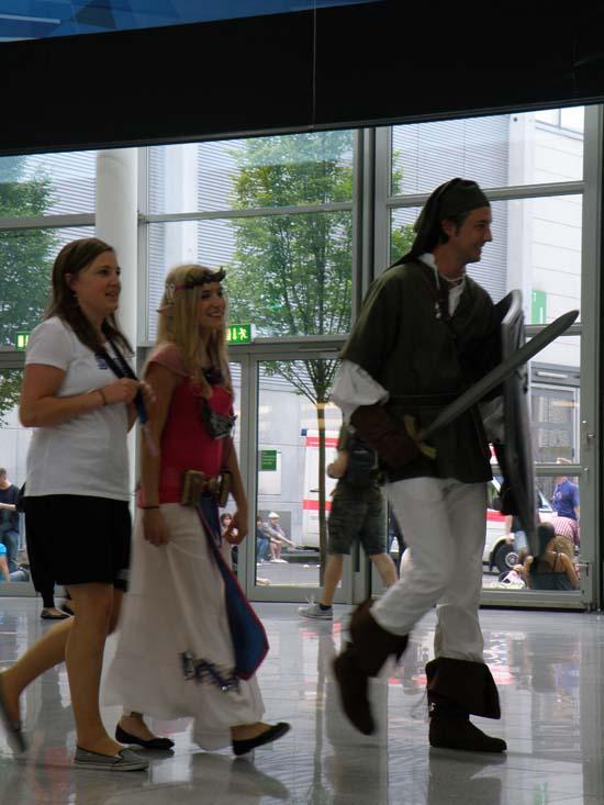 Линк и принцесса Зельда на GamesCom 2011 вызывали у всех восторг